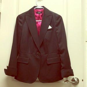 Black 3/4 sleeve one button blazer